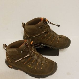 Keen boots women's waterproof size 5